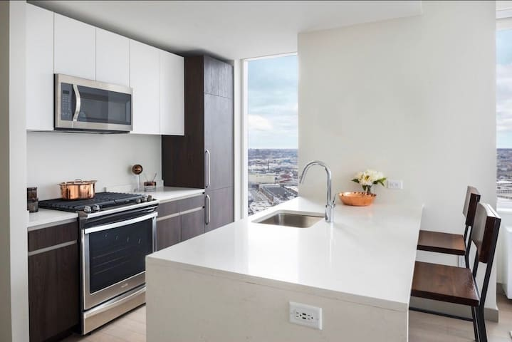 5 mins to NYC City View Luxury Private Single Room