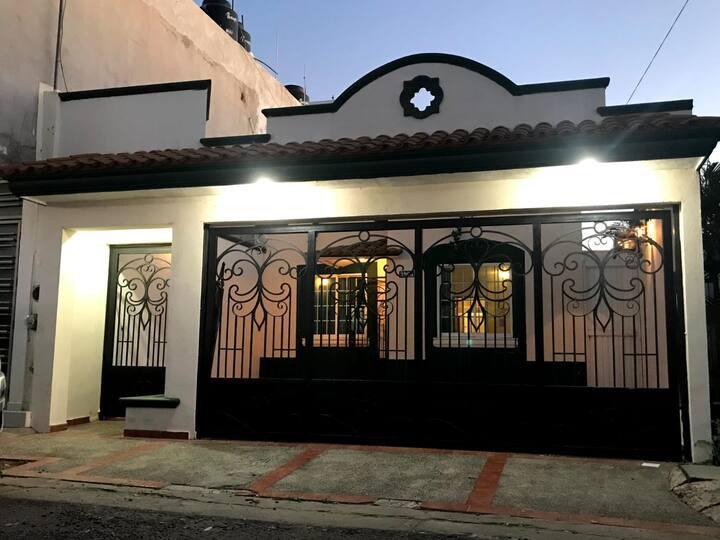 Bonita Casa con excelente ubicación