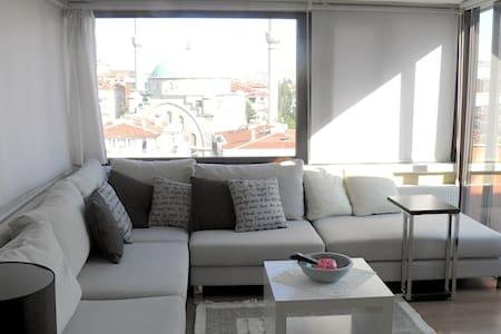 Central Flat w/ terrace, ANKARA - 安卡拉 - 公寓