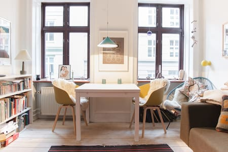 A home away from home in Charming Vesterbro - København