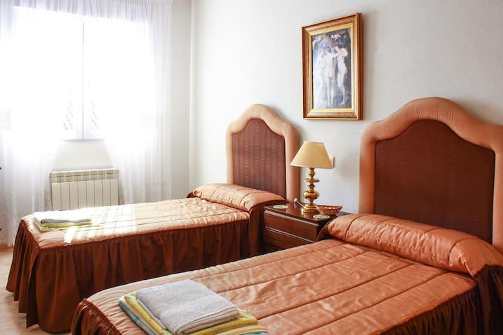 VILLANUEVA DE PERALES (Madrid). - Villanueva de Perales - Dağ Evi