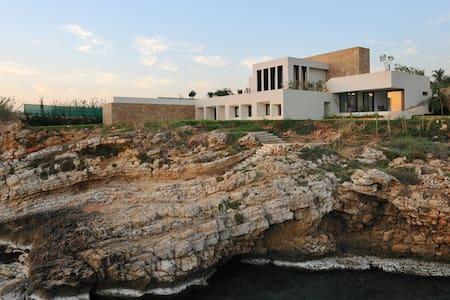 Beach House in byblos -Room renting - Fidar