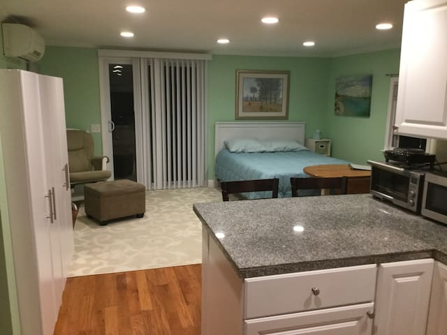 In-law apartment, Wayland