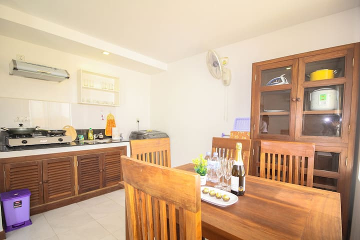 Panorama rooftop apartment. Kitchen, Central! - Krong Siem Reap - Leilighet
