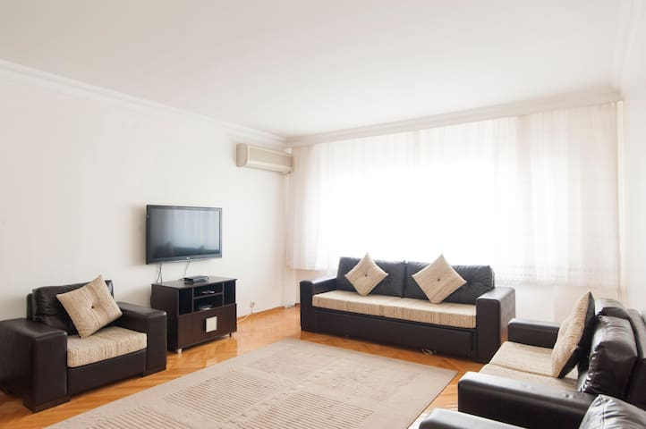 2 bedr apart 5 mins from Airport  - Istanbul - Wohnung