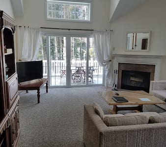 Furnished Condo at Jiminy peak - Hancock  - Condomínio