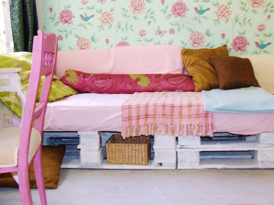 This bed is made out of pallets! Very comfortable and also Eco-friendly :)