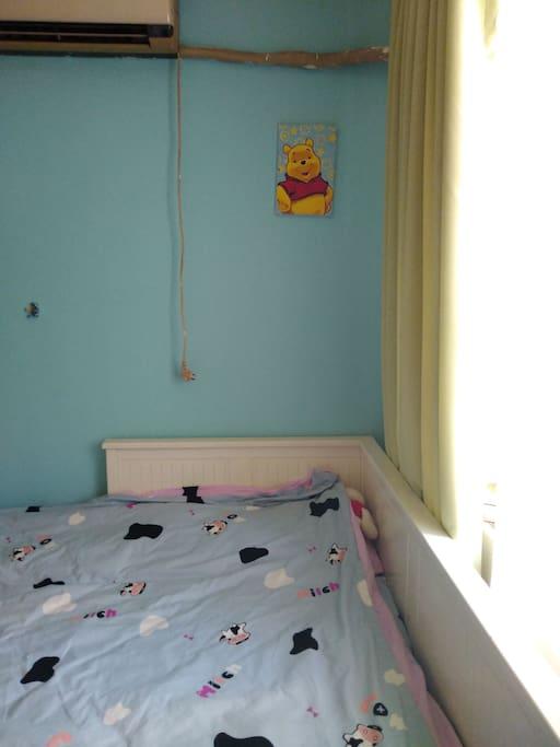 卧室双人床,宜家床垫+棕垫
