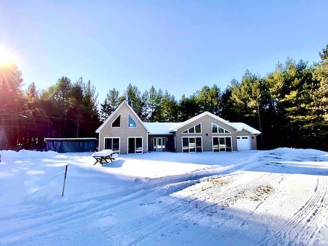 Sérénité Terrain privé sur 13 acres
