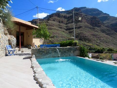 Casa amb piscina privada a Cercados d'Espino