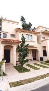 Casa Villa california, ideal amigos y familia.