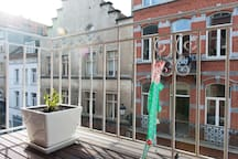 You can enjoy the sun on the shared Kitchen's balcony (2nd floor)