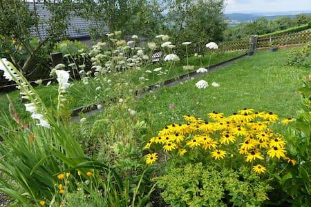 Ruhiges, naturnahes, sonniges & biologisches Heim - Salem - Rumah