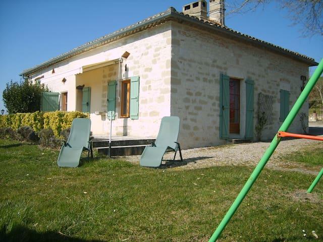 Maison en pierre au coeur du Quercy - Montpezat-de-Quercy - Alojamento ecológico
