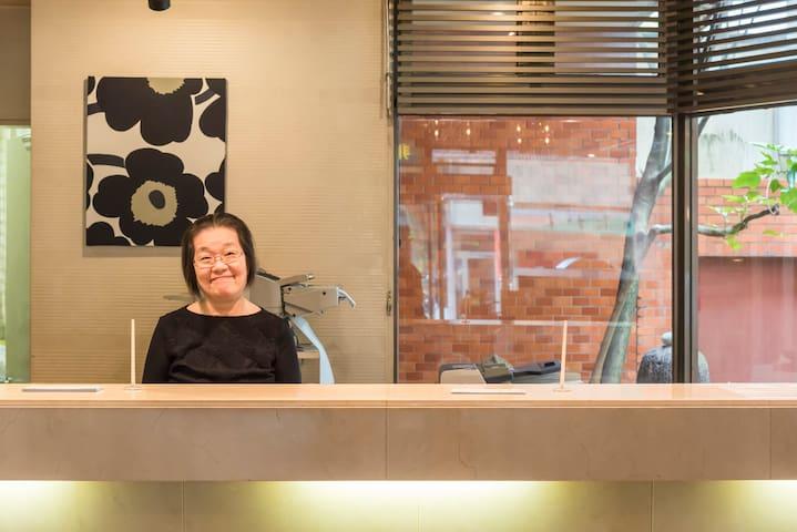 金沢駅から徒歩3分!昭和レトロでリーズナブルな城下町金沢のおもてなしホテル「岡ホテル」