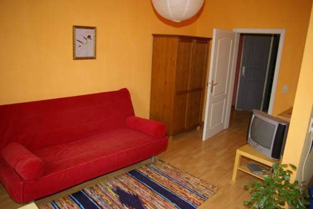 sch ne ferienwohnung dresden t1 wohnungen zur miete in dresden sachsen deutschland. Black Bedroom Furniture Sets. Home Design Ideas