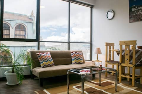 ► Stunning Location - New and Cozy Apt in LP