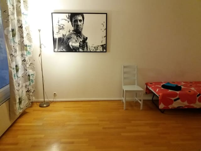 Simple apartment with excellent location - Turku
