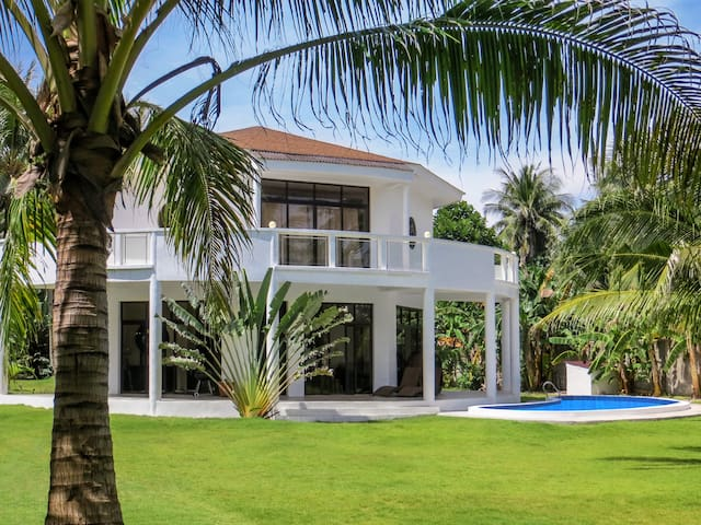 Exclusive Villa with Private Pool and Beach