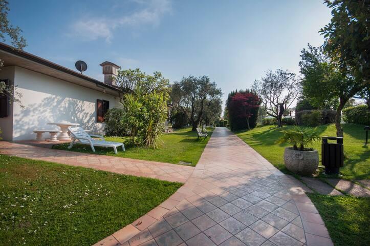 Residence Villa Maria 1, piscina relax a Desenzano - Desenzano del Garda