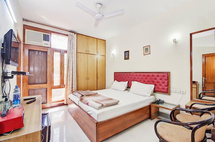Exotic Deluxe Rooms in CP, Delhi