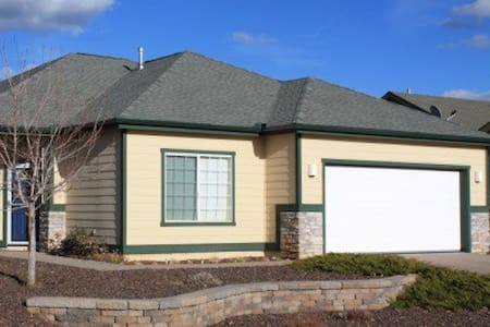 Flagstaff 3BR 2BA family friendly - Bellemont - Huis