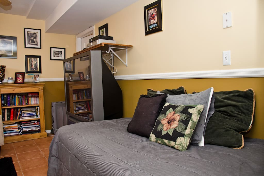 Close To Manhattan Studio Apartment Boats For Rent In Staten Island New York United States