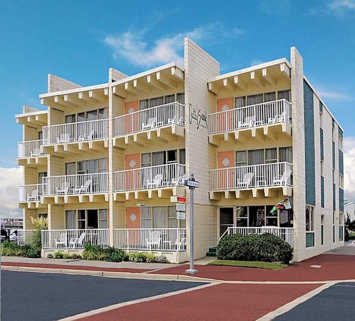 Oceanview, 2 Double Beds, Kitchenette, Balcony-C