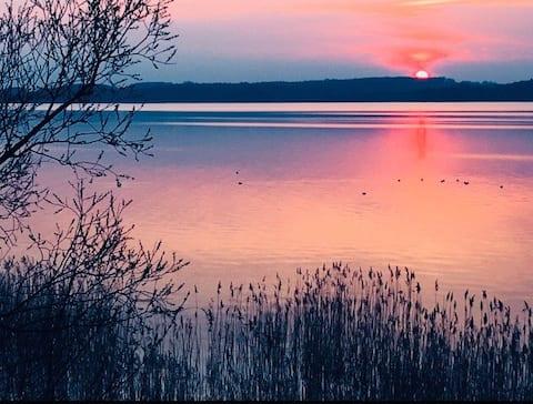Natur pur mit direktem Zugang zum See