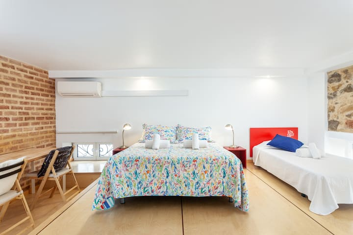 Cellya Room! Exclusivity & Prime Location in Faro