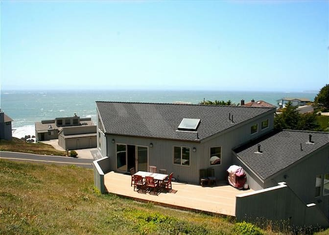 """Selki Seas""Ocean Views!Beachwalk! - Dillon Beach - House"