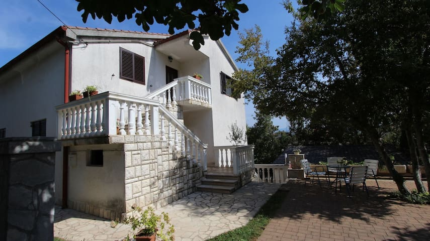 Apt for 2+1 persons with WLAN in Porat R14802