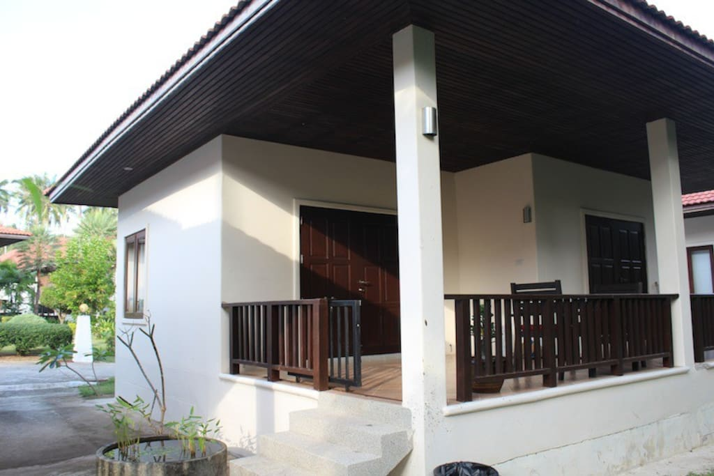Magnolia, one bedroom cottagewith A/C, Fan, cable TV etc