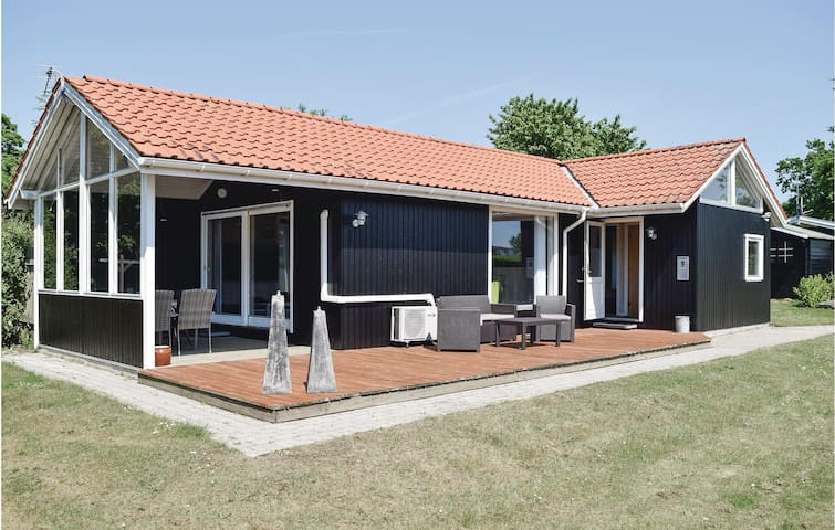 Holiday cottage with 4 bedrooms on 100m² in Odder