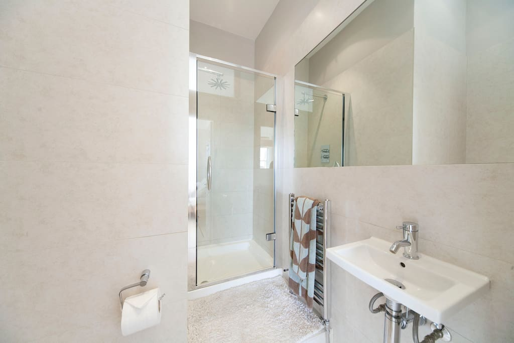 This will be your en-suite that is within the Double Room - Clean & Bright