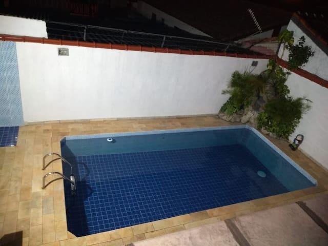 Casa com Piscina Em Itanhaém
