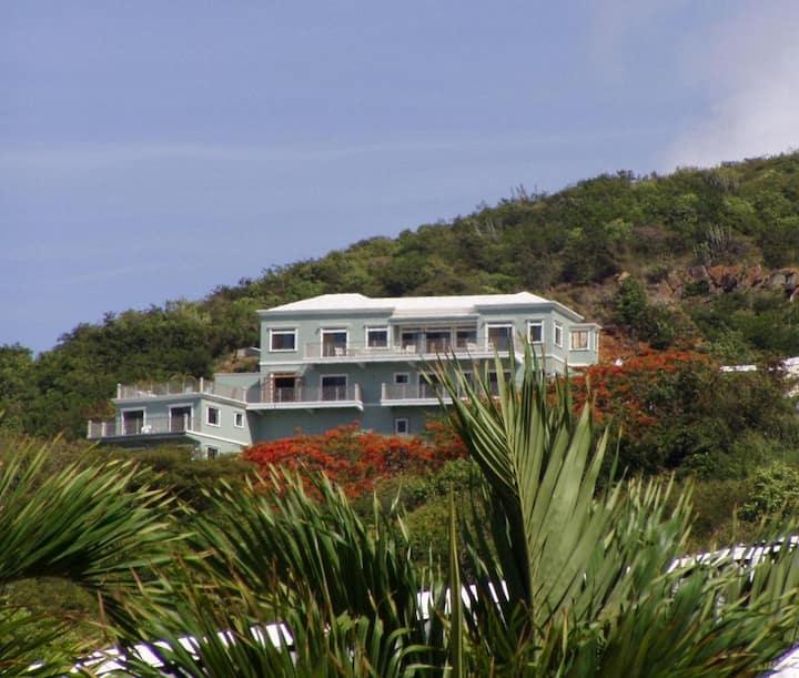 Surewinds Estate, Villa with Apartment