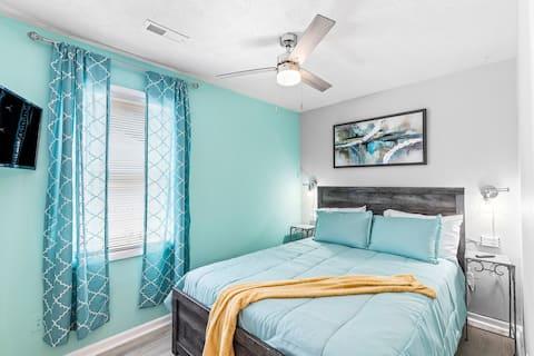 Lovely 2 bed , 1 bath home near Buckroe Beach.