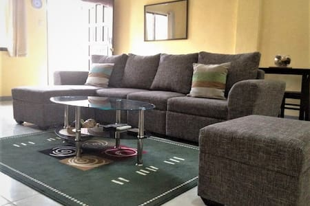 BEST VALUE 5 [Huge Living & Kitchen] Angeles Apart - Angeles - Pis