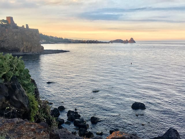 CASA MARE CAPITANO-Acireale -(vista mare-Sea view)