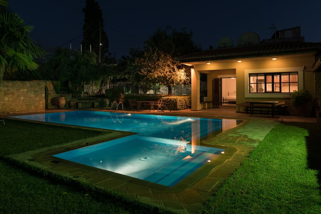 Swimming pool with night lights