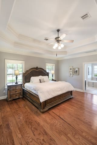 Spacious Master Bedroom, King-size bed; Premium Bedding