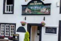 Local pub 10 min walk