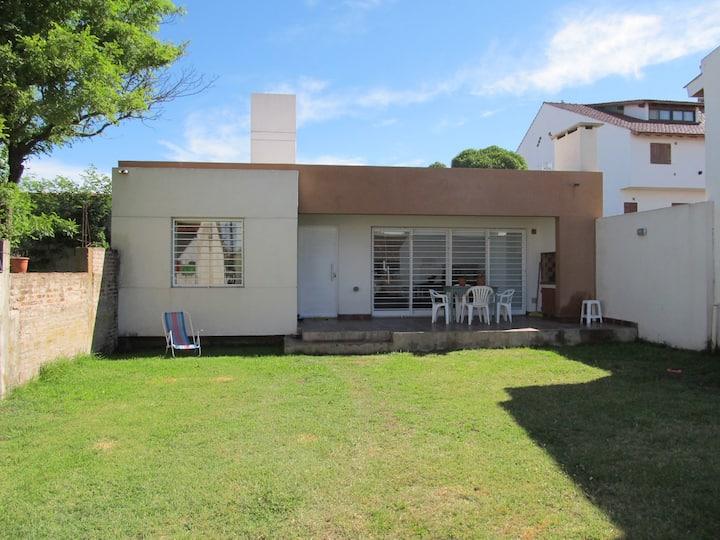 Casa a 2 cuadras de la playa, Santa Clara del Mar