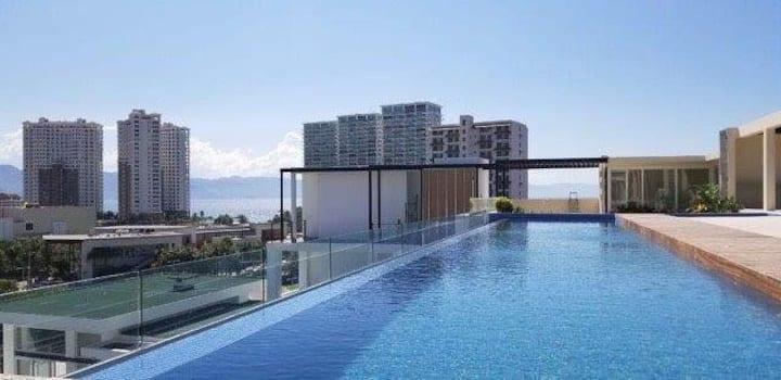 Comfy & Luxury Apartment at the Isla 115 Condo