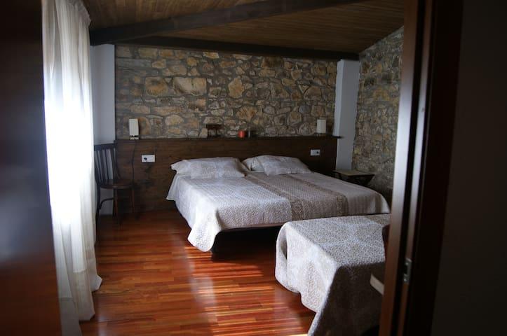 Habitación Montclús - Masia Serret