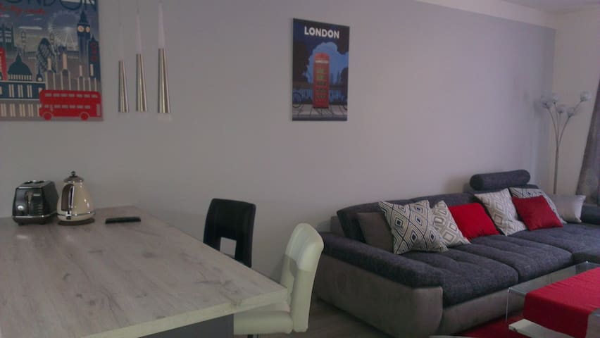 Modern Apartment With A Dedicated Parking Spot - Praag - Appartement