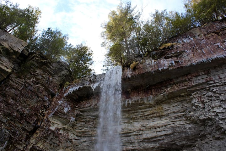 The Stonykill falls just 15 min from us at the beginning of winter