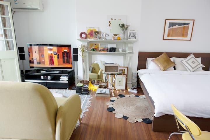/018 HOUSE 1号欧罗巴风情房间 体验老上海弄堂 温馨舒适地段佳 靠近南京西路地铁站