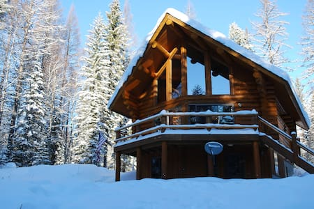 New! - Astrid Log Cabin near Glacier National Park - Columbia Falls